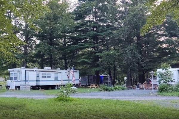 Chestnut Lake Campground - TRAILER RENTALS